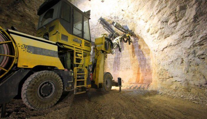 Los santos en la corte de Laguna Gold: la empresa minera que ha multiplicado el lobby en Aysén