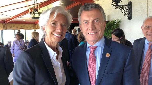 La sonrisa de Macri: el alivio argentino tras inédito préstamo del FMI