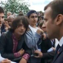 Macron a un estudiante que le llamó