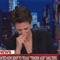 La presentadora de televisión Rachel Maddow se quiebra al aire dando noticia sobre niños migrantes