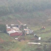 Carabineros rescatan a anciano que quedó aislado por crecida del río Cautín