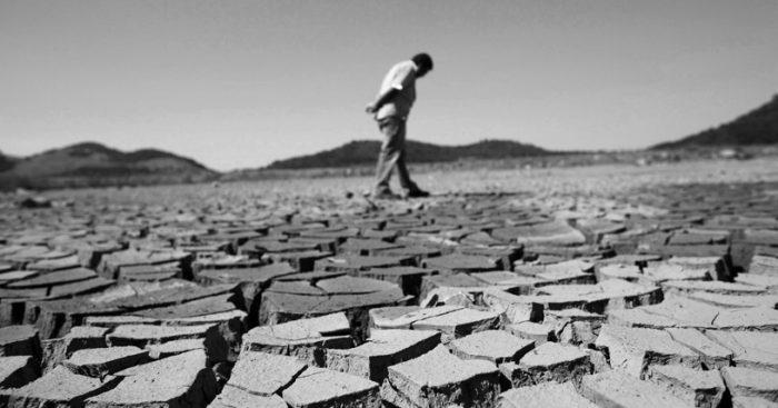"""Experto alemán critica manejo del agua en Chile: """"El sistema actual de gobernanza es inadecuado"""""""