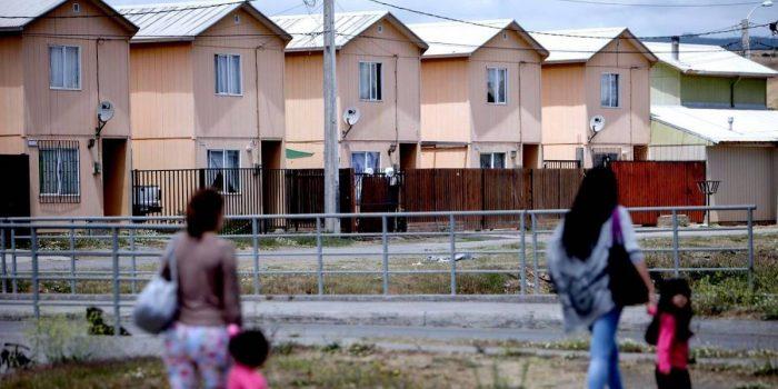 Piñera y déficit habitacional en Chile: 500 mil familias requieren una vivienda