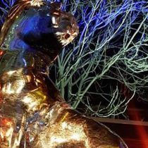 Artistas realizan esculturas de hielo en vivo en Patio Bellavista