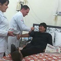 Evo Morales confirma que fue intervenido con éxito de un
