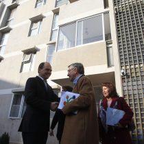 Lavín y Monckeberg responden críticas de Kast por viviendas sociales: