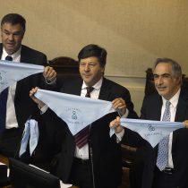 Frase de Piñera y pañuelos celestes en el Congreso encienden la ola conservadora anti aborto libre
