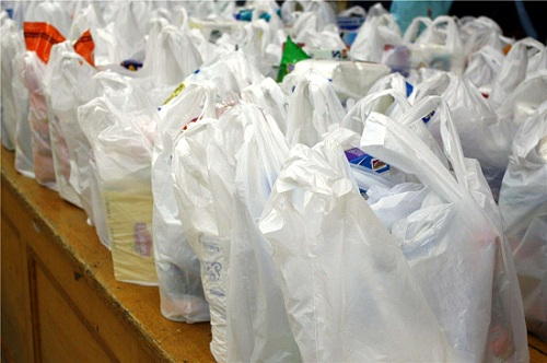 Emprendedores chilenos crean bolsas plásticas biodegradables