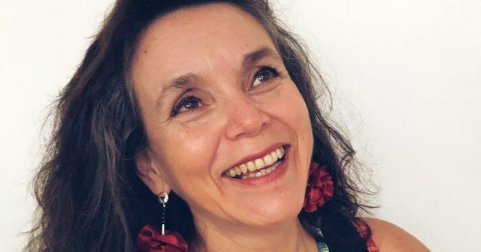"""""""Ciclo de entrevistas Redes Virtuosas"""" con terapeuta Carmen Bravo en Centro Cultural Chimkowe"""