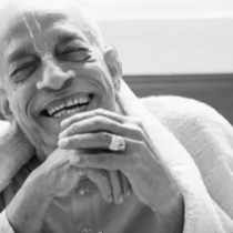 "Documental ""Hare Krishna!"" en Cine Arte Normandie"