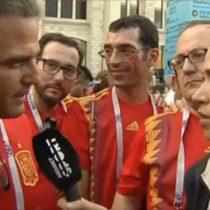 Periodista española frena en seco a hincha que le dijo