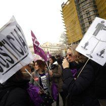 Indignación en España por bajas penas en un caso de violación múltiple tras 10 años de juicio