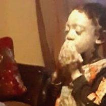 La conmovedora historia del niño que quería pintarse la cara de blanco para no ser negro