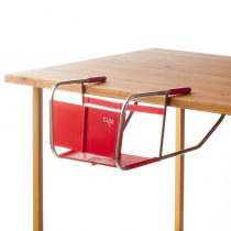 Pareja chilena de emprendedores crea innovadora silla plegable para niños