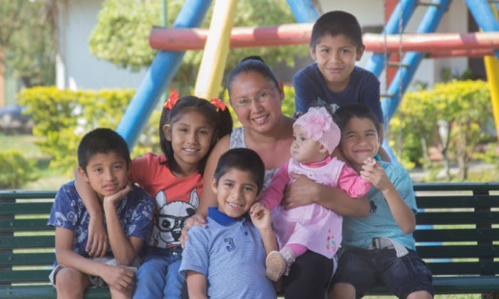 ¿Qué debemos asegurar como Estado y sociedad civil a los niños y sus familias?