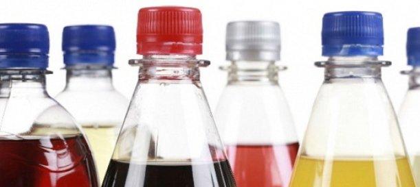 Chilenos redujeron un 21, 6% el consumo de bebidas azucaradas tras alza impositiva