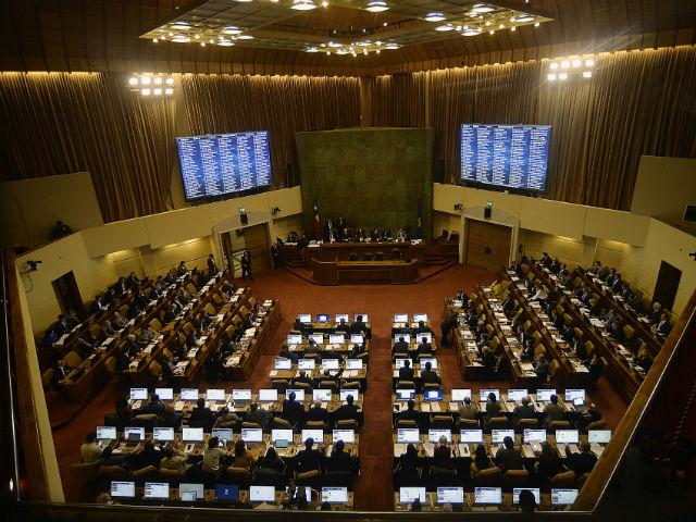 Comisión aprobó proyecto que promueve transmitir mensajes en TV contra la violencia de género