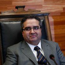 Académicas de la U. de Chile entregarán carta a Facultad de Derecho exigiendo renuncia del profesor Carlos Carmona