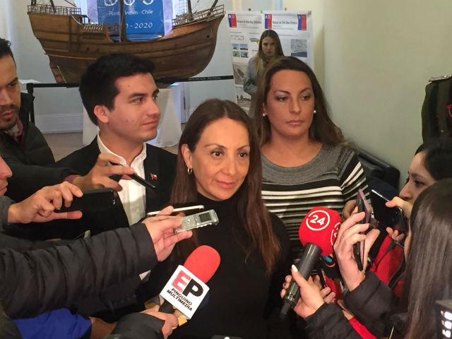 """Terremoto político en Magallanes: Asume nueva intendenta sindicada de """"operadora"""""""