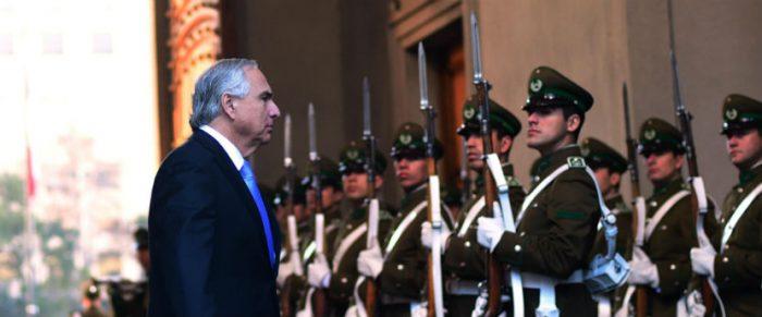 La zanahoria y el garrote: La Moneda se juega por el diálogo con la oposición y Chile Vamos amenaza a Maya Fernández