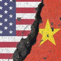 Estados Unidos y China buscan reiniciar conversaciones para desactivar guerra comercial