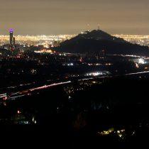 Enel sospecha robo de cables de cobre tras incendio que provocó corte de luz en Santiago
