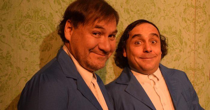 """Función gratuita comedia """"2 clones, al borde de la esquizofrenia"""" en Centro de Extensión Duoc UC"""
