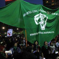 Cobarde ataque a mujeres en marcha por aborto libre: feministas emplazan al Gobierno