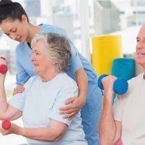 Derribando las excusas: beneficios de hacer deporte después de los 60 años