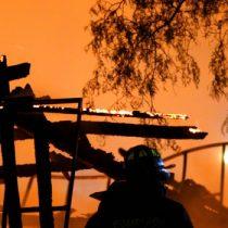 Ataque incendiario reduce a cenizas centro de rehabilitación en sur de Chile