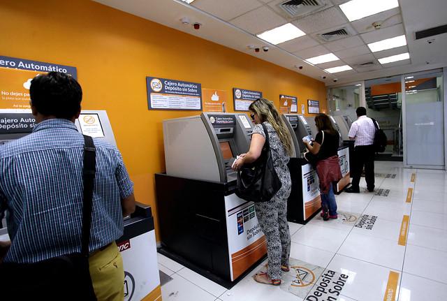 Bancos endurecen seguridad en medio de fragilidad por ataques informáticos