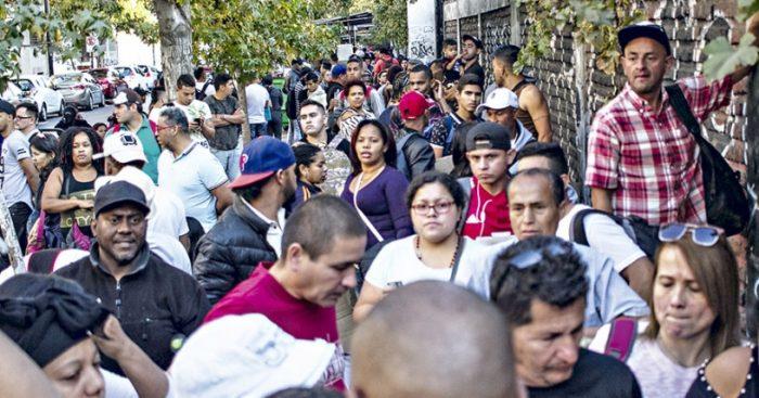 Comisión de Gobierno Interior rechazó exigir permanencia definitiva a migrantes para optar a beneficios sociales