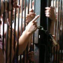 """Colmed advierte que el coronavirus en las cárceles está """"fuera de control"""" y podría agravar el problema de salud pública"""