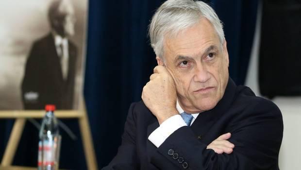 Lo sigue blindando: Piñera defiende dichos del ministro Varela y dice que
