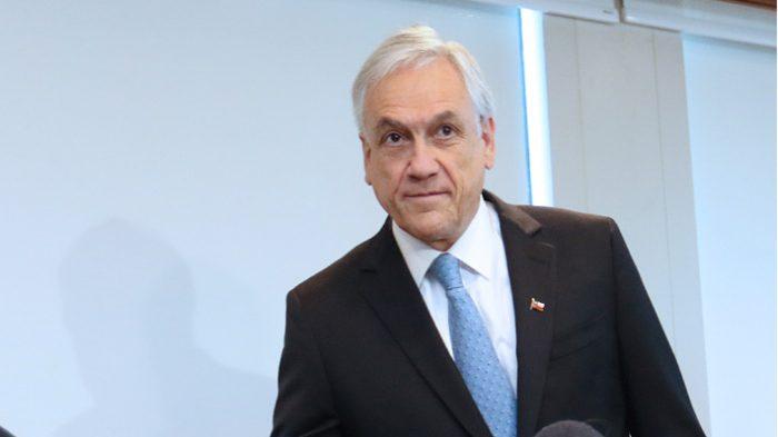 Piñera recuerda a los 33 mineros para enviarle apoyo a los niños atrapados en Tailandia
