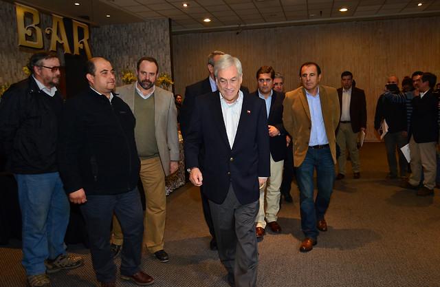 """Piñera tras reunión con remolacheros y trabajadores de Iansa: """"No van a estar solos"""""""