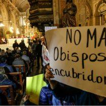 "Laicos no dan tregua a Ezzati: Su continuidad es ""insostenible"""