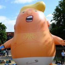Bebé Trump: el muñeco inflable gigante que hace que el presidente de EE.UU. no se sienta bienvenido en Londres