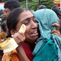 «Por favor, dennos un helicóptero. Se los ruego. Ayúdenme, la gente en mi lugar morirá»: 5.000 personas siguen varadas por las lluvias en India