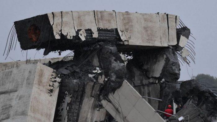 Piñera lamenta muerte de chilenos tras caída de puente en Italia