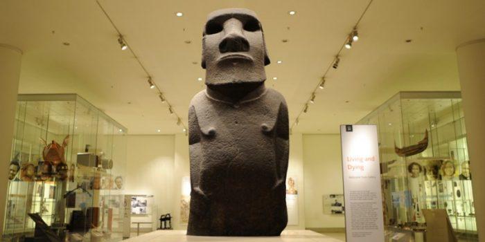 Chile espera el retorno a la Isla de Pascua del moai