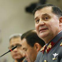 Comandante en jefe del Ejército responde dudas de Comisión Investigadora por eventual duplicación de facturas