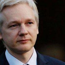 Vivienne Westwood diseña una camiseta en apoyo a Julian Assange