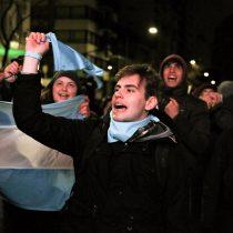 No será ley: Argentina rechaza legalizar aborto y no se podrá debatir hasta 2019