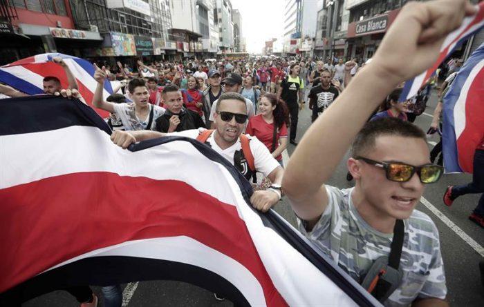 Más de 40 detenidos dejó violenta manifestación xenófoba en Costa Rica
