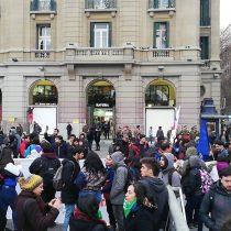 Se lleva a cabo la protesta en contra del Estatuto Laboral en La Alameda