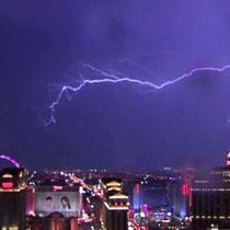 Las Vegas: los espectaculares rayos y relámpagos que iluminaron el cielo