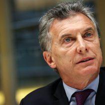 El presidente de Argentina se enfrentó a una crisis, pero ahora un escándalo lo protege