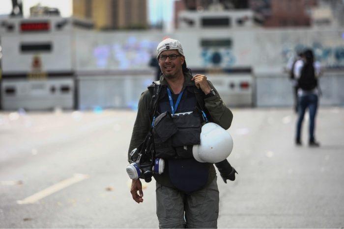 La historia del joven en llamas: Ronaldo Schemidt cuenta sobre su foto ganadora del World Press Photo