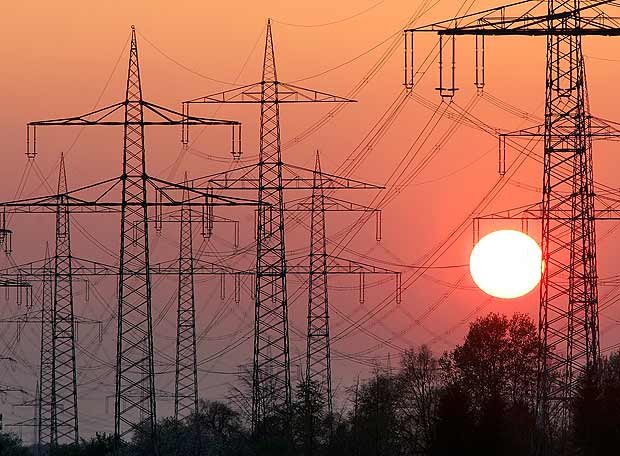 Colisión frontal entre regulación y política energética: el caso del impuesto a las emisiones de CO2